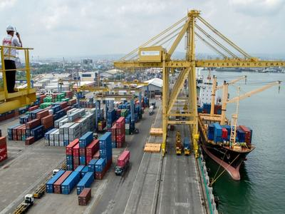 China exports robust in July as port activity rebounds
