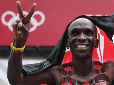 Kipchoge marathon masterclass as delayed Tokyo Olympics set to close