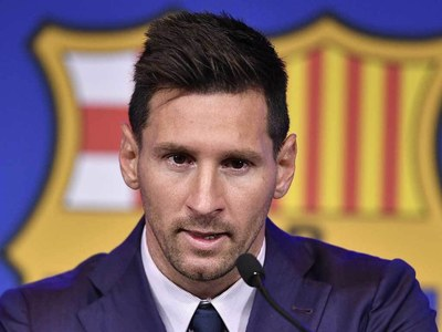 Signing for PSG a 'possibility' for Messi