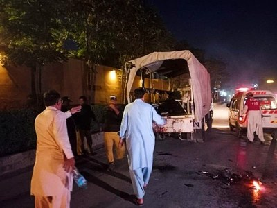 Two policemen martyred, eight injured in Quetta bomb attack