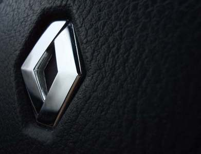 Renault to explore hybrid vehicles with Geely