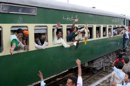 Unvaccinated individuals will not be allowed rail travel from Oct 1