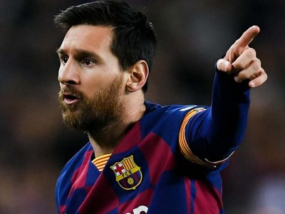 PSG set to complete signing of Messi