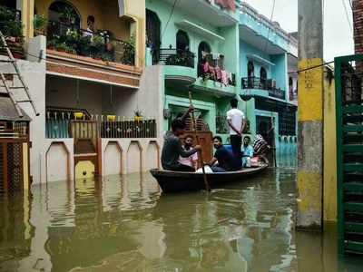 Thousands rescued as Ganges floods in India