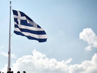 Greek economy to grow despite Covid, fires