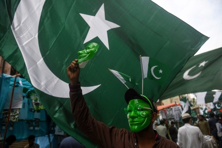 Karachiites celebrate Independence Day with patriotic zeal, fervour