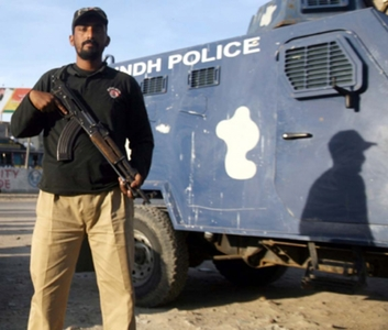 Motorway police foil kidnapping bid