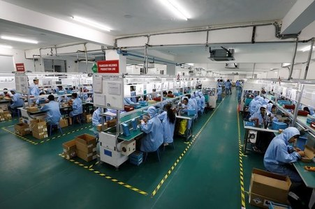 Pakistan to become more self-reliant in handset production: Fitch