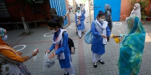 In yet another twist, Sindh govt, APPSF agree to reopen schools on August 30