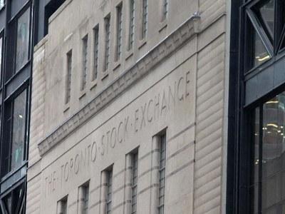 TSX retreats from record closing peak as bank stocks slip