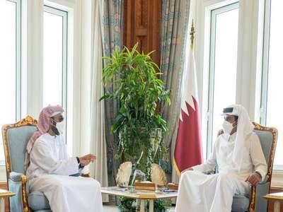 Senior UAE official meets Qatar's emir in rare visit