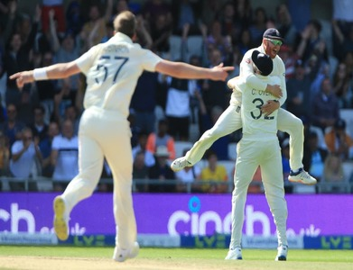 England hammer India by an innings and 76 runs in third Test