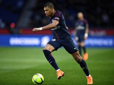 Mbappe's future dominates final hours of transfer window