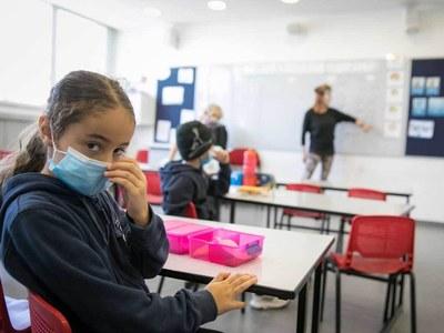 Israel starts new school year as virus cases surge