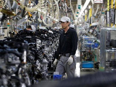 Asia's factories hit by pandemic-related supply disruptions