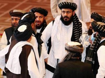 Taliban preparing to reveal new Afghan government amid economic turmoil