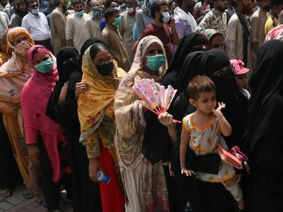 Pakistan's death toll crosses 26,000, active Covid cases sees downward trend