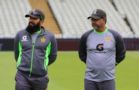 Coaches Misbah, Waqar resign in blow to World Cup plans