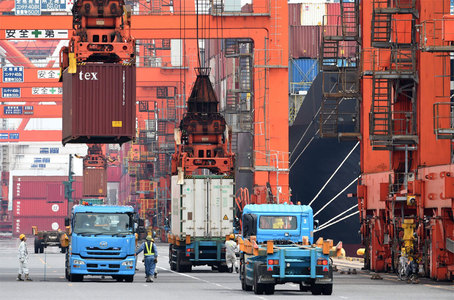 China's economy gets welcome boost from surprisingly strong Aug exports