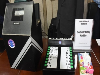 Senate panel rejects use of EVMs, i-voting