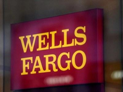 Fed must break up Wells Fargo: Warren