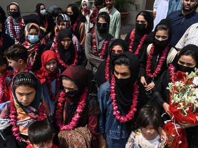 Afghan women's soccer team arrives in Pakistan