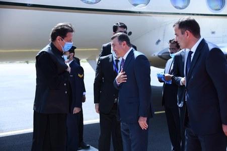 Pakistan, Tajikistan to ensure peace in Afghanistan: PM Imran