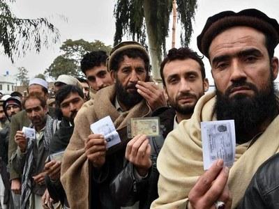Dutch FM quits over Afghan refugee crisis