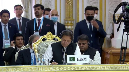 Rare opportunity to finally end 40 years of war in Afghanistan: PM Imran at SCO summit