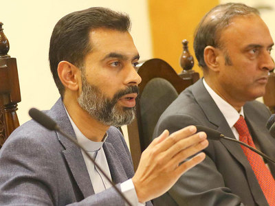 SBP chief briefs PM on economic recovery, RDAs