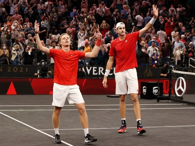 Isner, Shapovalov win doubles as Team Europe lead Laver Cup 3-1