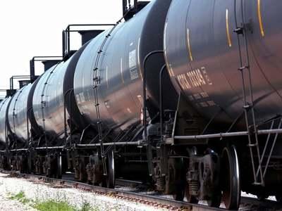 Under US sanctions, Iran and Venezuela strike oil export deal