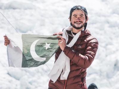 Mountaineer Shehroze Kashif achieves another milestone