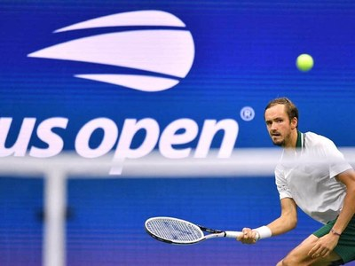 Team Europe in control, dominate Laver Cup 11-1