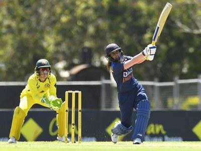 India end Australian women's 26-match ODI winning streak