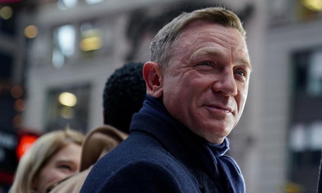 Daniel Craig bids farewell to James Bond