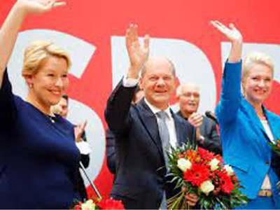 SPD seeks three-way alliance to replace Merkel-led coalition