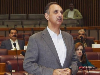 Govt successfully completes six actions to cut circular debt: Omar