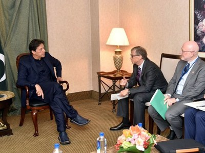 PM Imran urges Bill Gates to provide humanitarian assistance to Afghanistan
