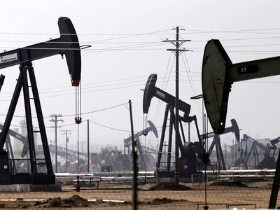 Oil resumes rally, U.S. reserve release seen as unlikely
