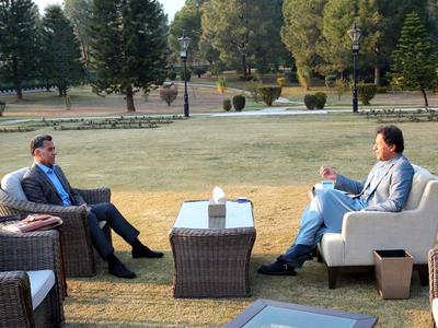 Lt-Gen Faiz Hameed meets PM