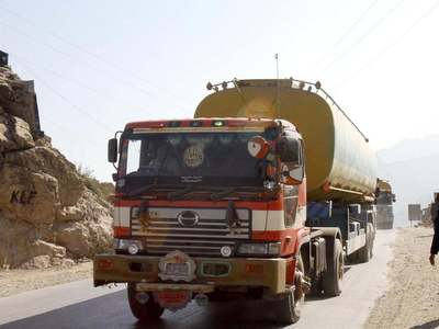 Govt urged to allow entry of oil tankers into KP during daytime hours