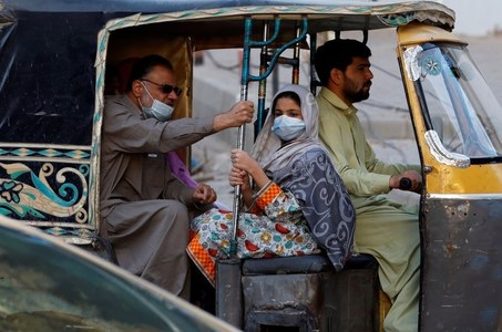 Pakistan reports lowest single-day Covid-19 tally since June