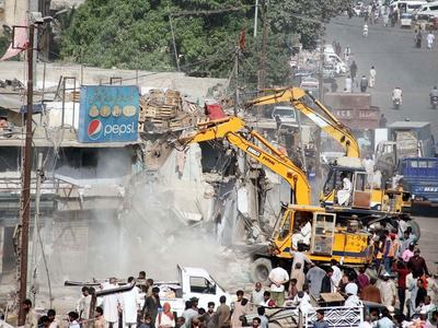 Commissioner gears up anti-encroachment drive along River Swat