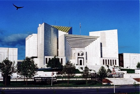 Gandapur case: Corruption accused can't hold any govt, public office: SC
