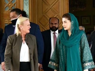 Aggeler meets Maryam, Shehbaz