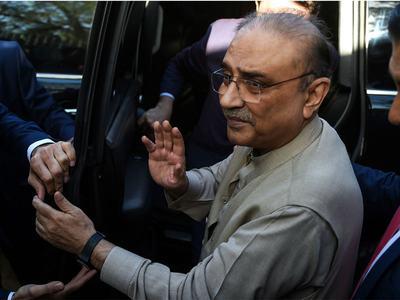 Zardari pays homage to martyrs of Karsaz tragedy