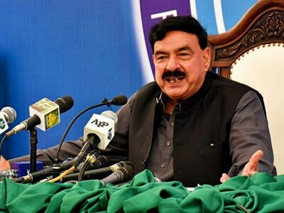 Govt will withdraw cases against TLP workers by Tuesday: Sheikh Rashid