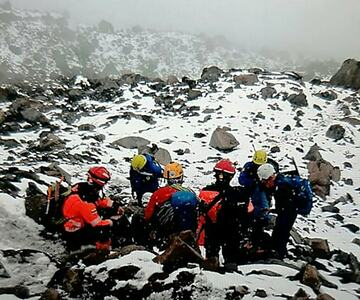 3 dead, 3 missing after avalanche on Ecuador volcano: officials