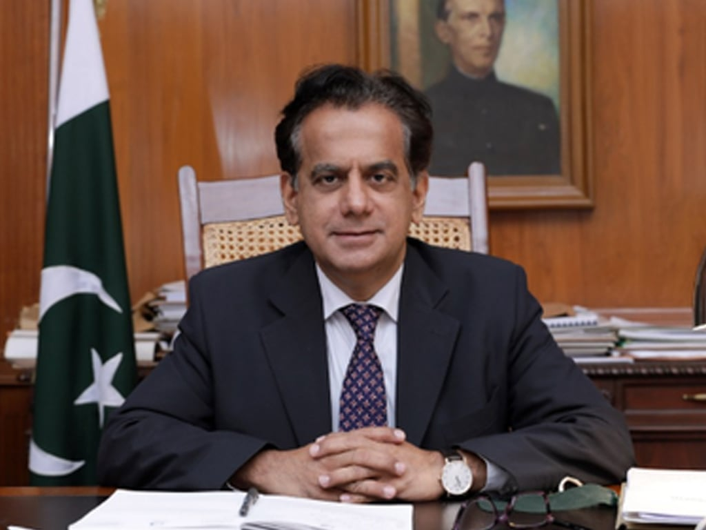 Sindh govt transfers Iftikhar Ali Shallwani, appoints Muhammad Sohail Rajput as Karachi commissioner